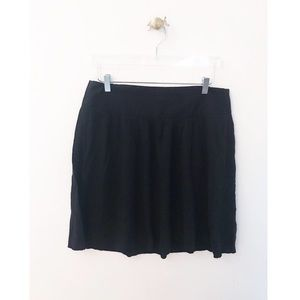 theory / black mini linen skirt circle